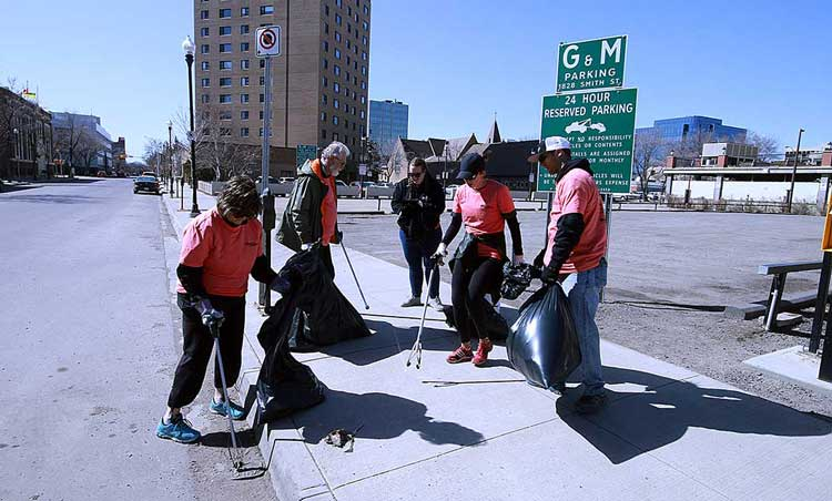 3RD ANNUAL CLEANUP DOWNTOWN DAY